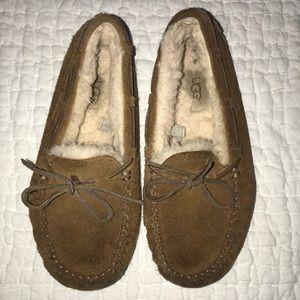 Girls ugg Dakota slippers